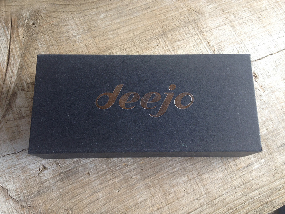 Deejo naked knife