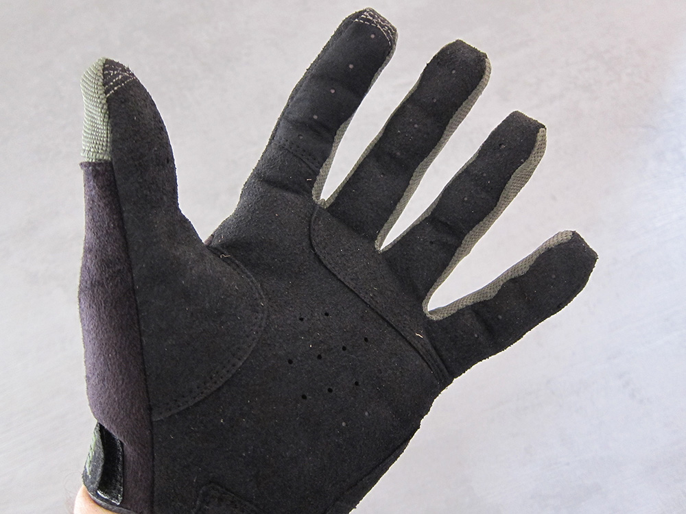 PIG gloves